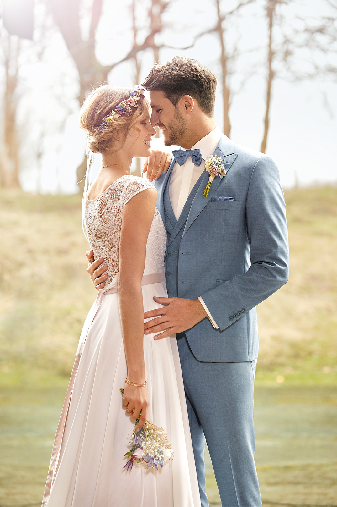 Maßanzug hochzeitskleid anzug blau hochzeit braeutigam casa felicita 1240